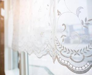 CURTAIN LACE